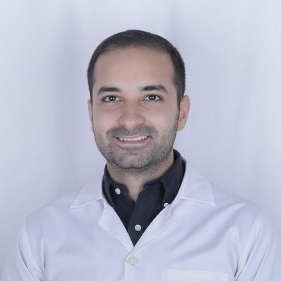 دکتر علیرضا صالحی
