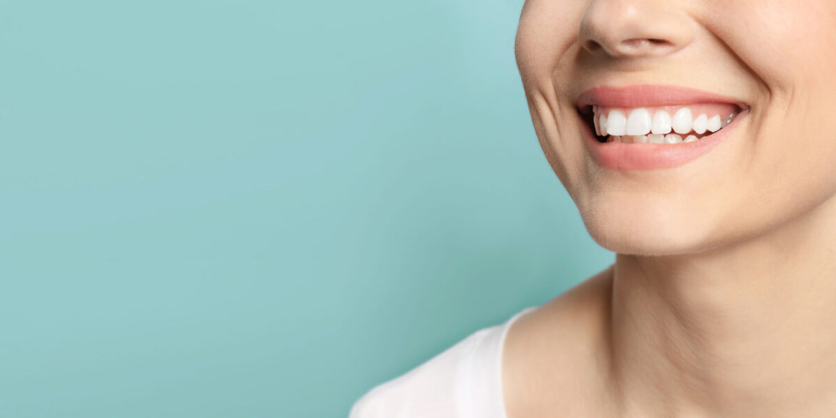 دندان مصنوعی یا ایمپلنت