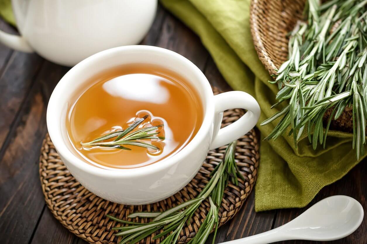 چای سبز همراه رزماری